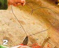 Символ любви: венок в виде сердца